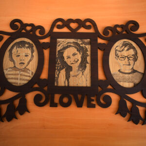 Photo Frames & Portraits